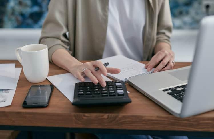 unpaid business invoices